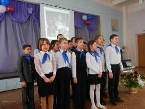 21 февраля в школе состоялся праздничный концерт, посвященный 23 февраля. В мероприятии приняли участие учащиеся 5-9 классов.